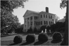 jason keefer photography charlottesville washington dc inn at willow grove orange va wedding black and white exterior