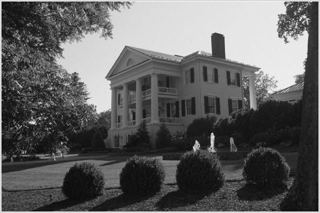 jason keefer photography charlottesville washington dc inn at willow grove orange va wedding black and white exterior