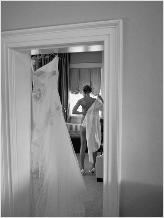 jason keefer photography charlottesville washington dc inn at willow grove orange va wedding bride getting ready black and white boudoir