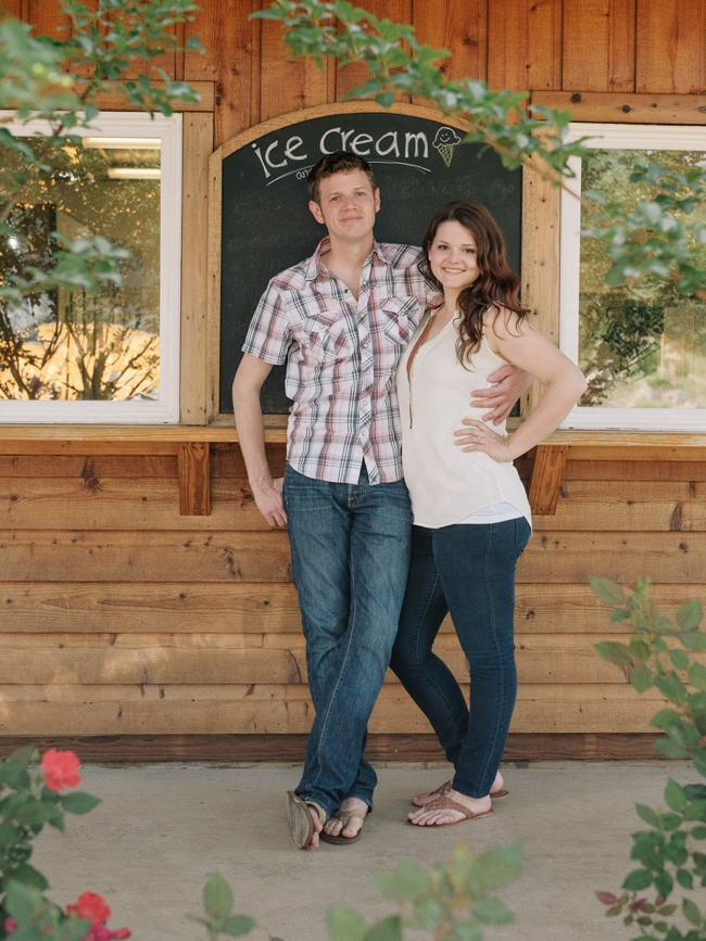 tammy keefer of jason keefer photography engagement portraits chiles peach orchard crozet va ice cream