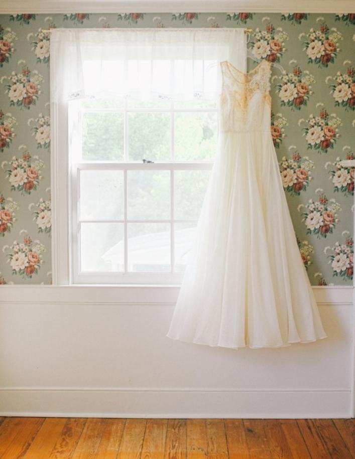 jason keefer photography stanardsville virginia farm wedding wedding gown