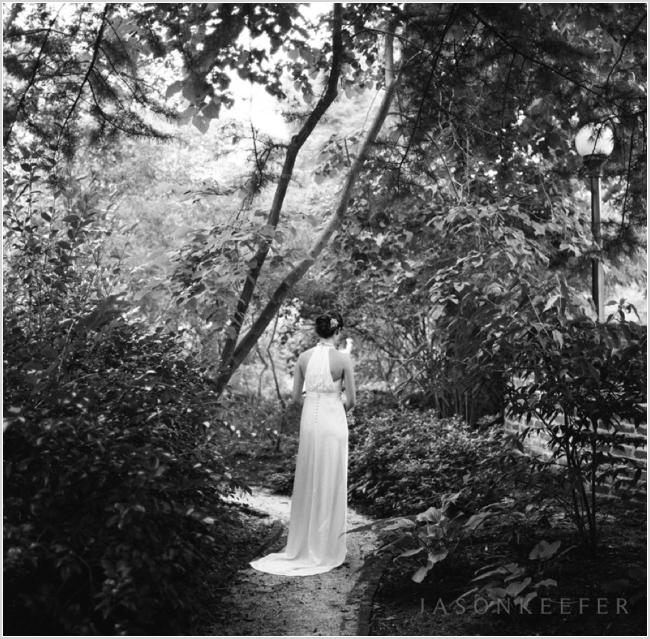 jason keefer photography uva garden black and white film rolleiflex beautiful bridal portrait