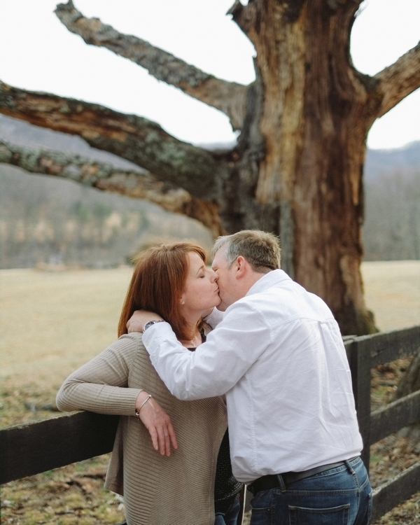 charlottesville engagement portraits jason keefer wedding photographer portraits in march dirt road trees